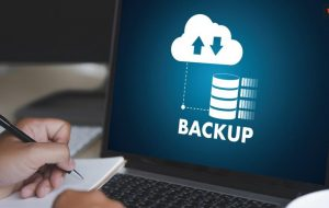 Choices of Hardware & Software Media to Backup Photos