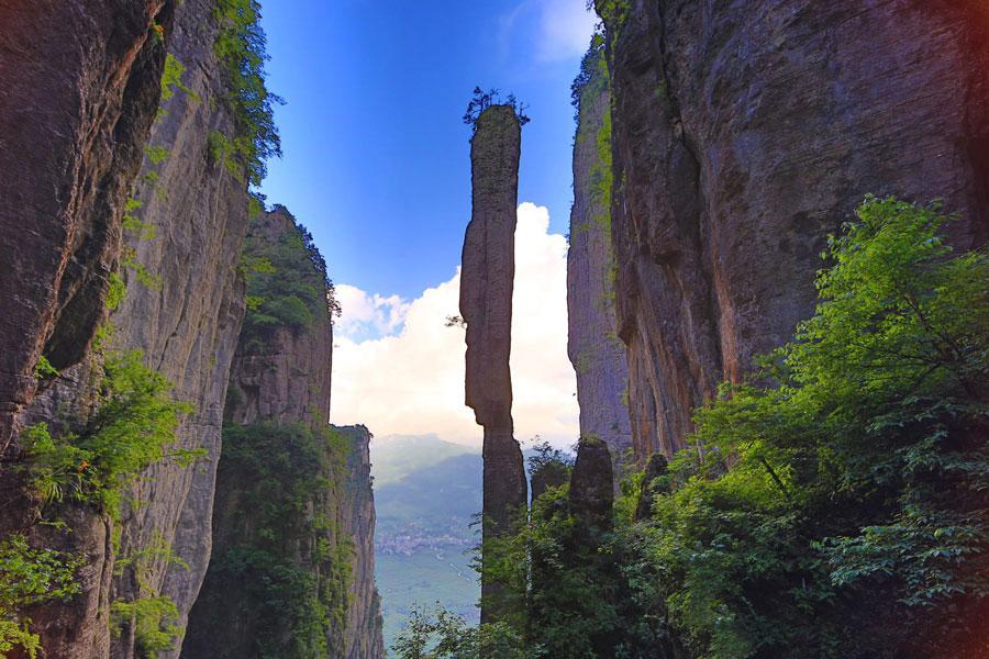 One-Incense-Pillar-Enshi-Canyon