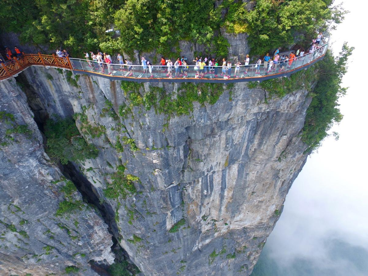 Zhangjiajie-National-Forest-Park-China.-Glass-skywalk