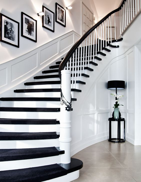 Useful Picture Wall Ideas for Stairs 4