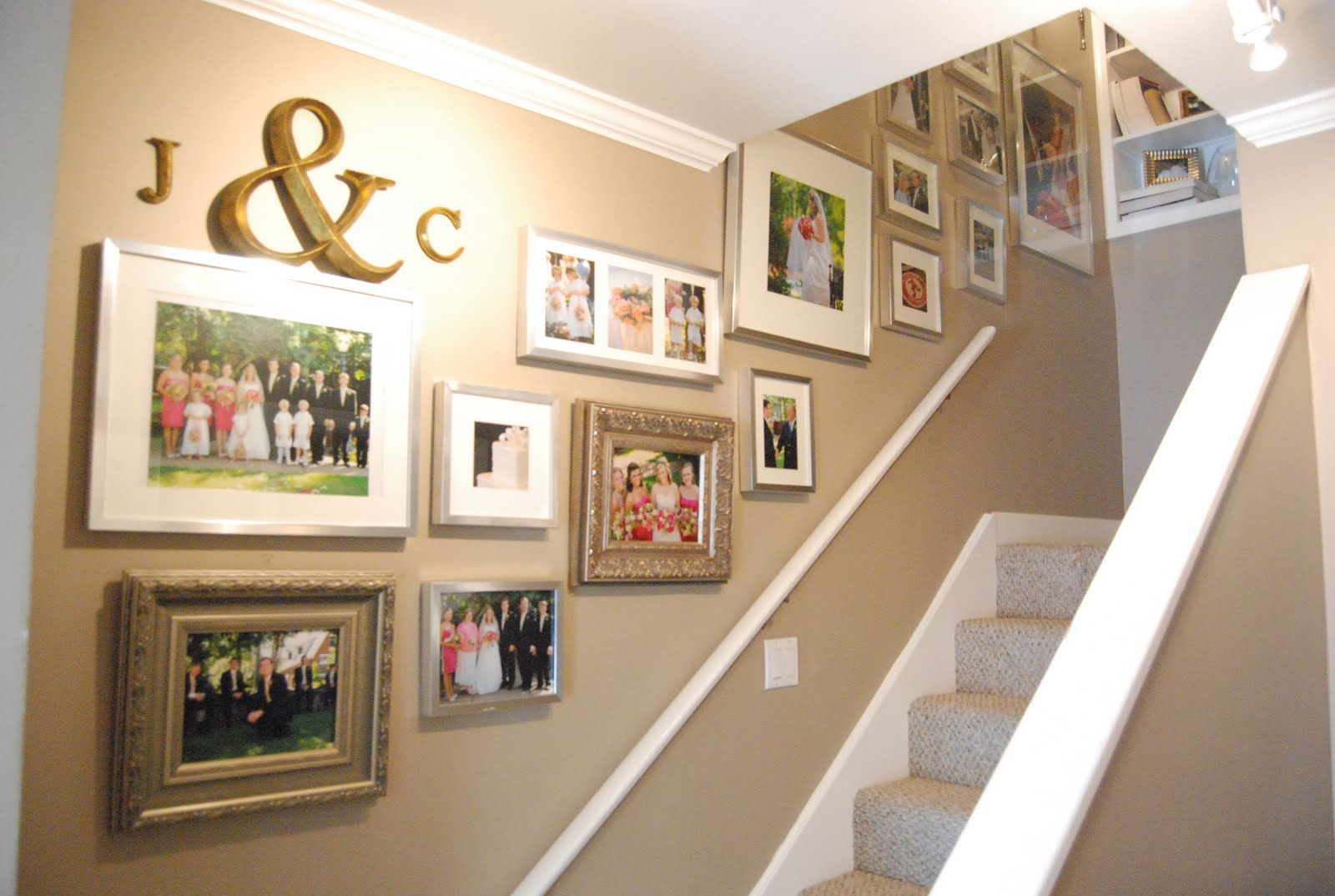 33 Stairway Gallery Wall Ideas To Get You Inspired Picbackman