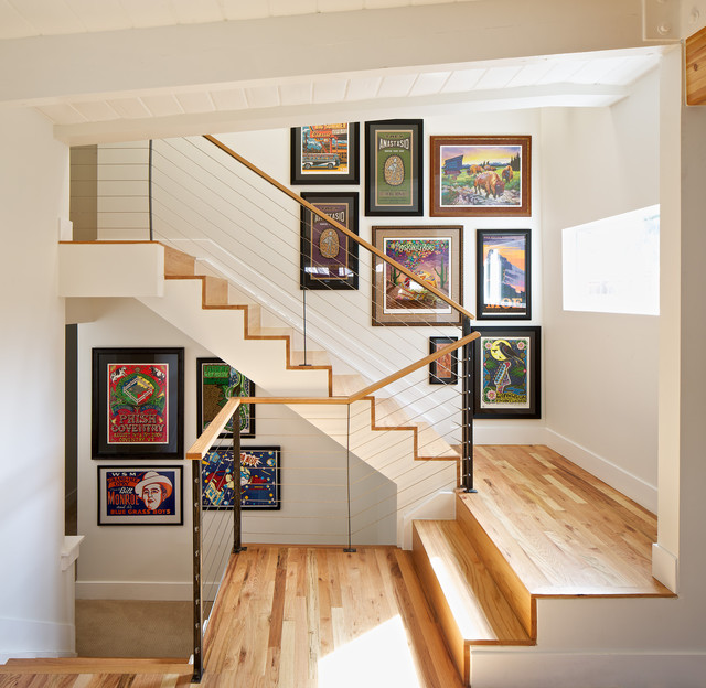 Artistic Picture Wall Ideas for Stairs 3