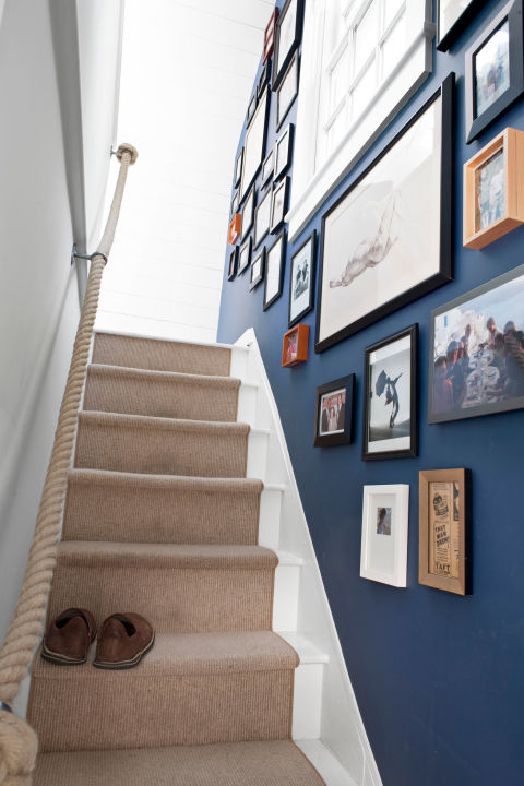 Unique Picture Wall Ideas for Stairs 1