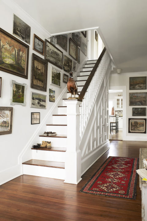 Unique Picture Wall Ideas for Stairs 3