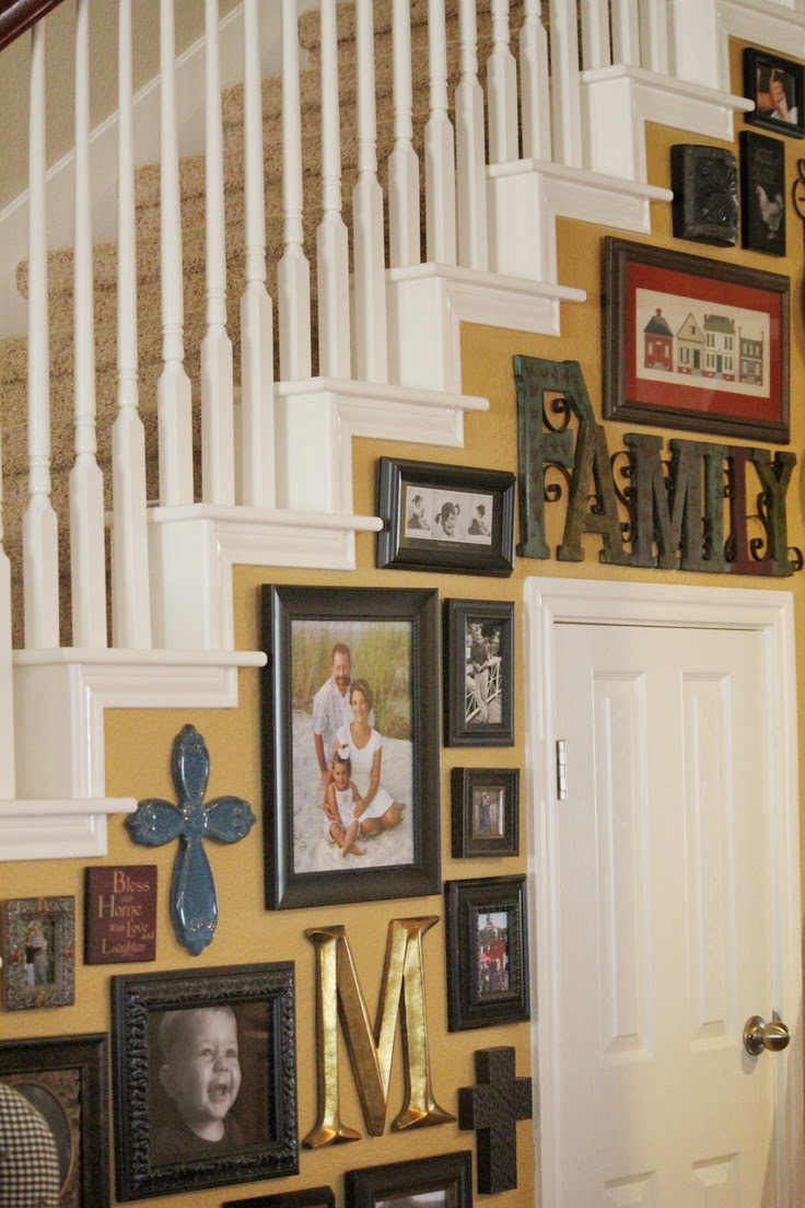 Best Picture Wall Ideas for Stairs 2